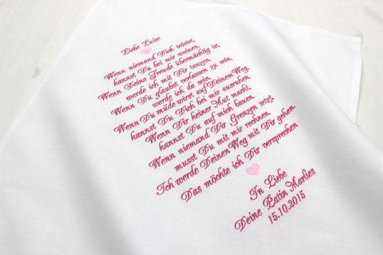 Besticktes Tuch mit wundervollem Patenspruch bestickt zur Taufe als Geschenk für das Patenkind von seinen Paten