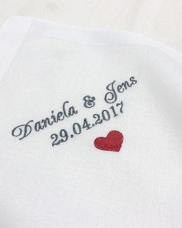 Besticktes Taschentuch zur Hochzeit für die Freudentränen von Braut und Bräutigam