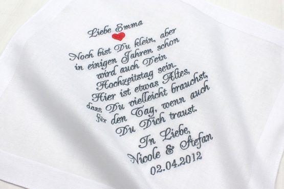 Besticktes Taschentuch als Geschenk zur Hochzeit für das Blumenmädchen
