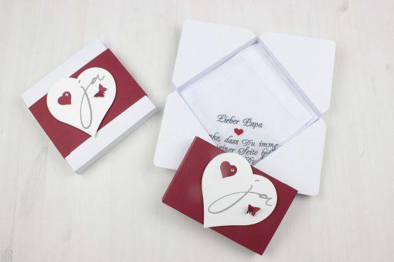 Gastgeschenk Hochzeit, Geschenkverpackung Taschentuch bestickt Hochzeit